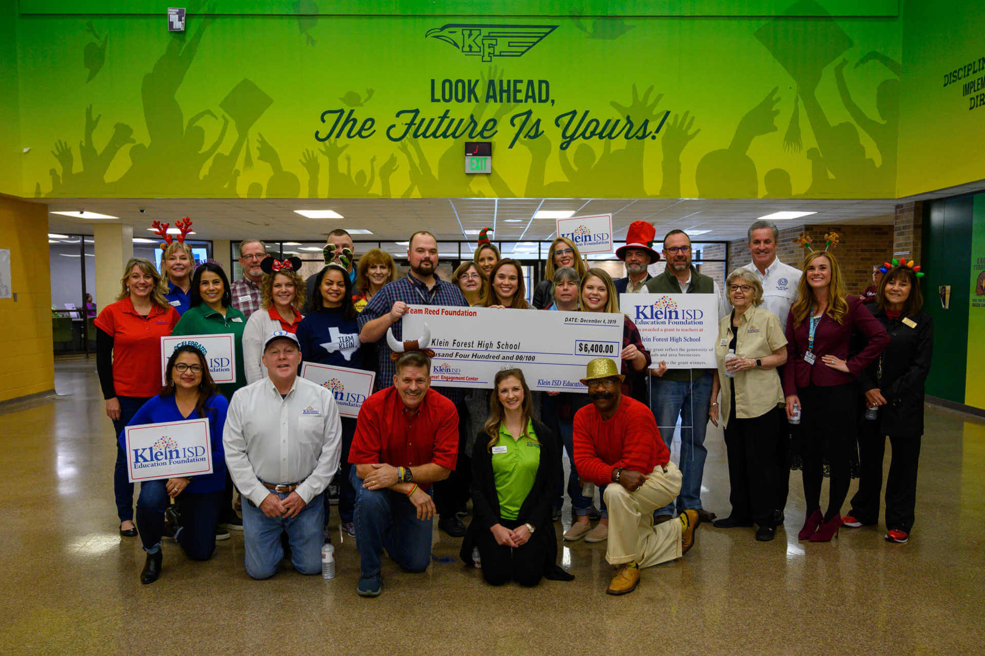 Klein Forest High School Receives $6,400 Grant for Science Engagement Center