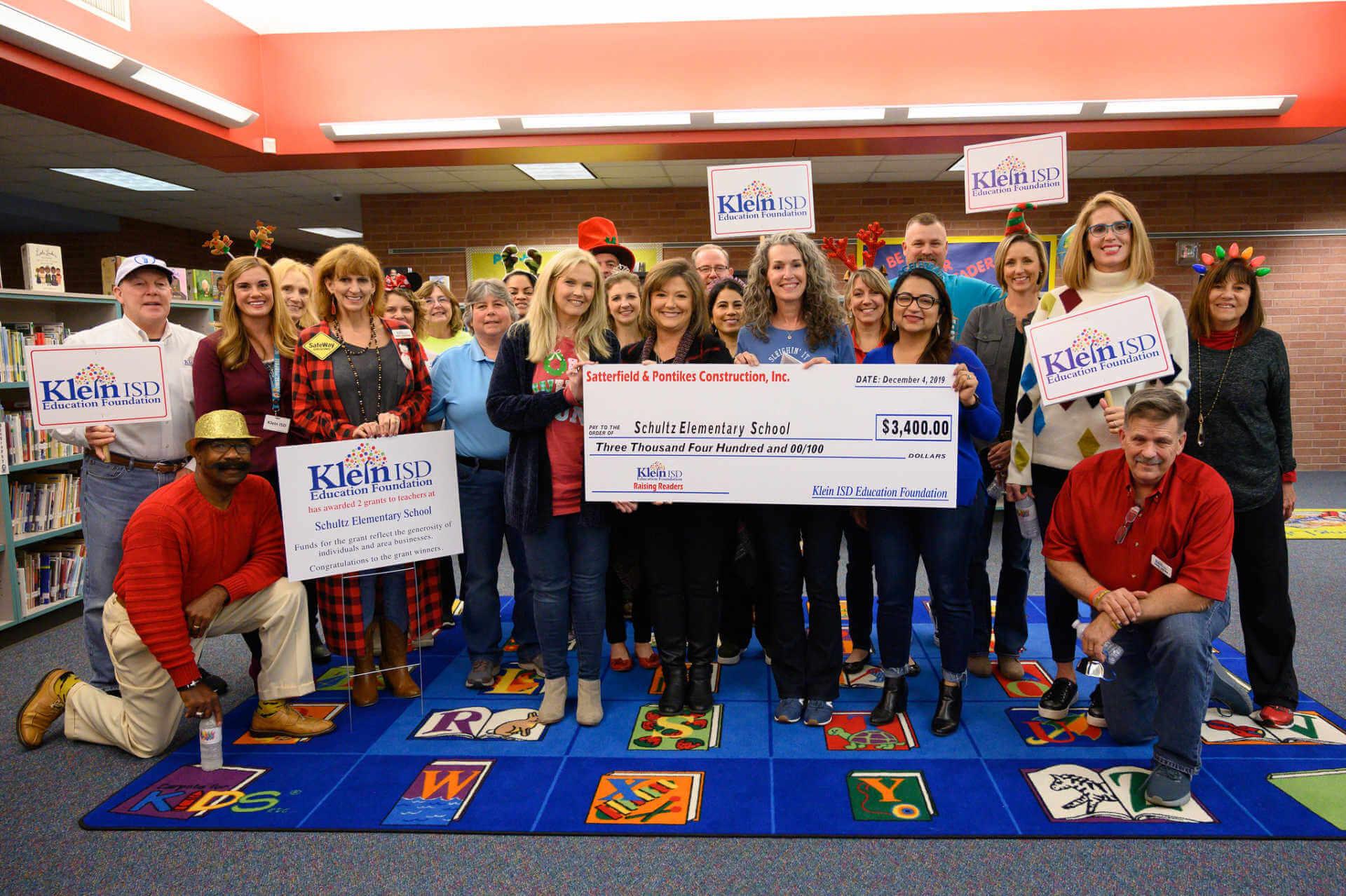 Schultz Elementary Receives $3,400 Reading Grant