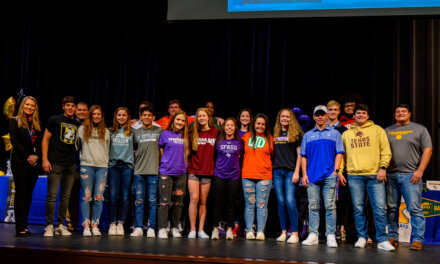 18 Klein High Student-Athletes participan en el Día Nacional de Firma 2020