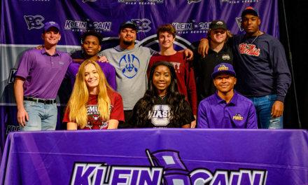 Klein Cain celebra el primer evento del Día Nacional de Firma para Estudiantes-Atletas