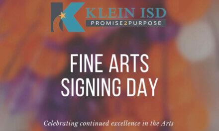 Klein ISD organiza el evento del día de firmas de bellas artes