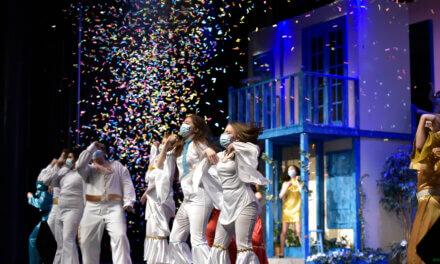 Estudiantes de teatro de Klein Collins recibieron $ 12,000 en becas