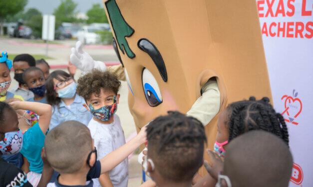 H-E-B Texas Loves Teachers Tour Stops at Three Klein ISD Schools