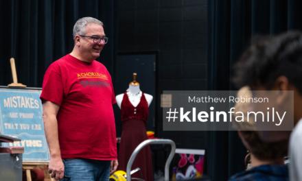Tính năng giáo viên: Matthew Robinson, Trường trung học Klein Cain